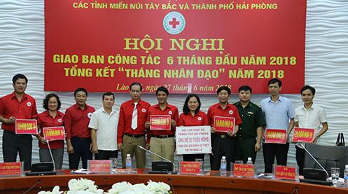 Hội Chữ thập đỏ các tỉnh cụm Tây Bắc huy động 80 triệu đồng tại Hội nghị giao ban cụm thi đua ủng hộ tỉnh Lai Châu khắc phục hậu quả mưa lũ