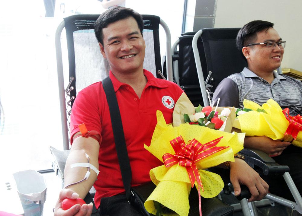 Niềm vui khi được hiến máu cứu người